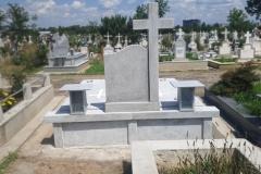 monumente funerare cimitir bacau13