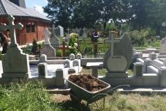 monumente funerare cimitir bacau5